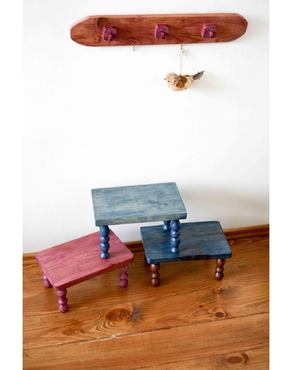 Malá detská drevená stolička